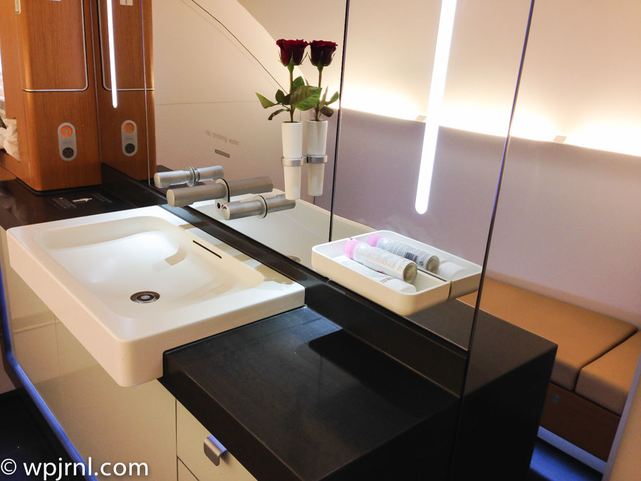 lufthansa a380 bathroom in first class. Black Bedroom Furniture Sets. Home Design Ideas